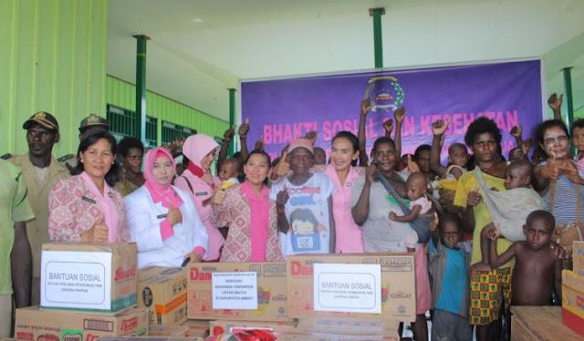 Polda Papua Bawa Sembako ke Warga Distrik Pulau Tiga, Asmat