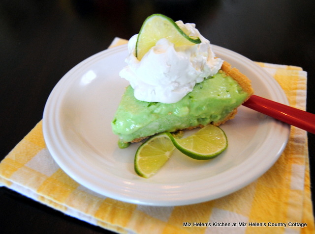 Tropical Lime Freeze Pie at Miz Helen's Country Cottage