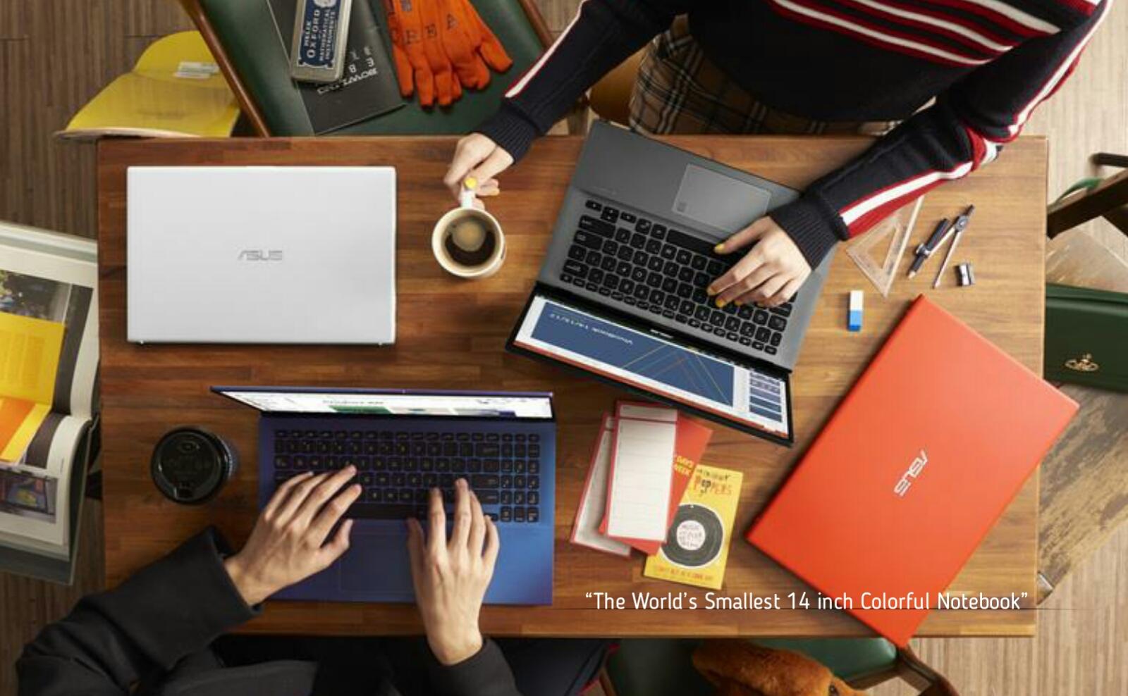 Blogger dengan laptop asus