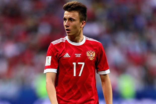 Đồng đội cũ bóng gió xác nhận Aleksander Golovin sẽ đến Chelsea
