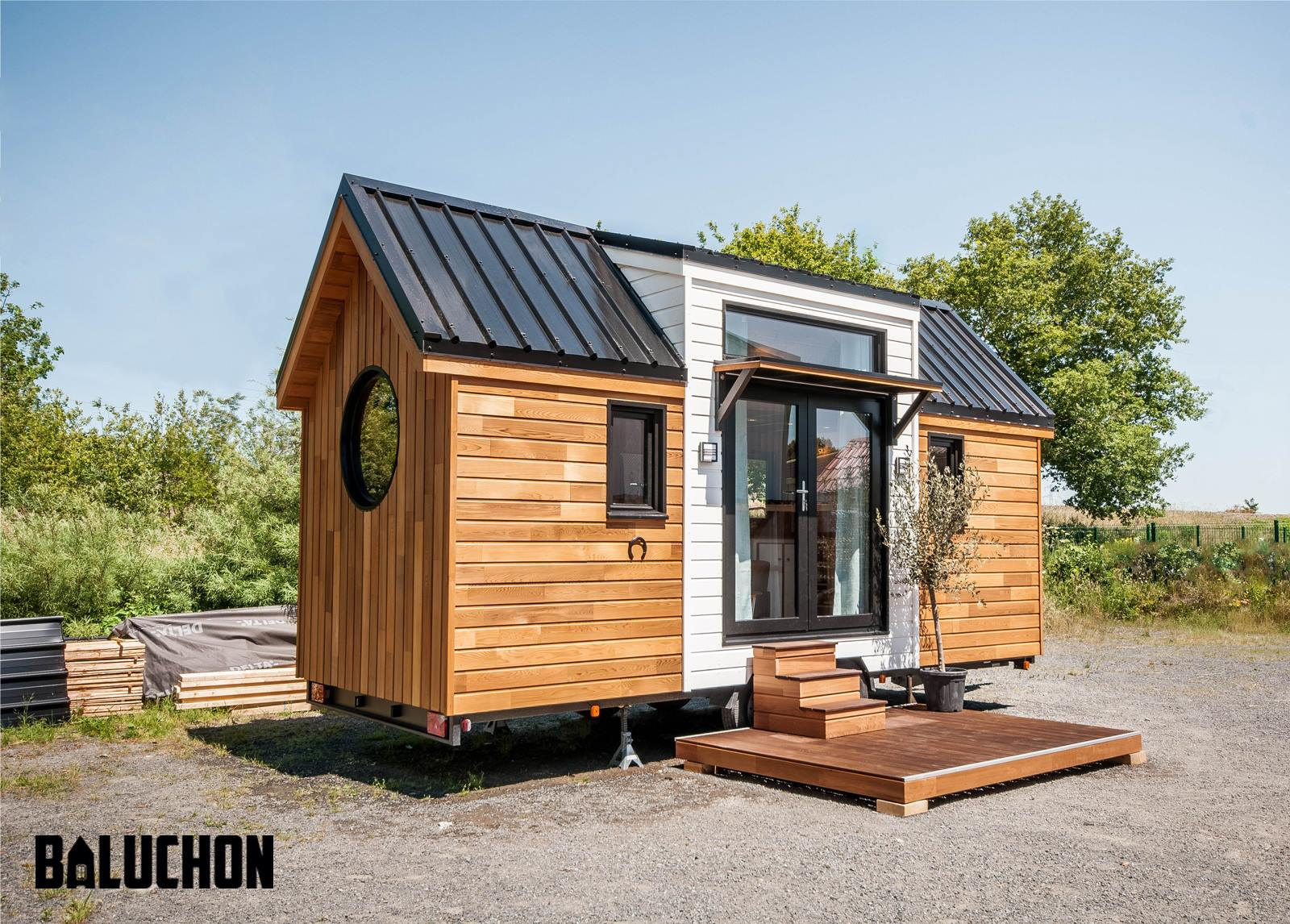 tiny house town the ostara tiny house from baluchon. Black Bedroom Furniture Sets. Home Design Ideas