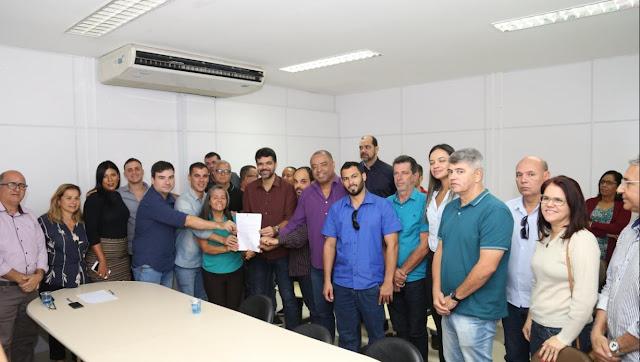 Prefeito Rogério Andrade anuncia programa Cartão SAJ Cidadão. Confira os detalhes: