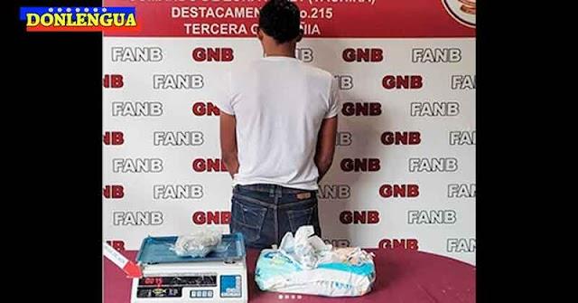 GENIO   Joven detenido por traficar droga dentro de pañales para bebés