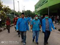 Terus Berbagi KNPI Bagikan Makanan, Sanitizer dan Masker di RSUD Pasar Minggu