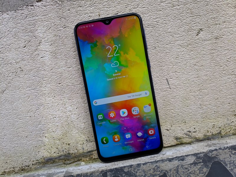 Hands On Samsung Galaxy M20: Debut Exynos 7904 dan Layar Infinity V