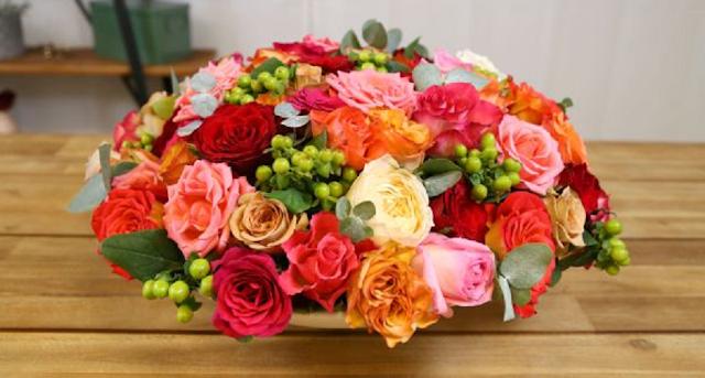 pas bunga mawar warna warni cantik