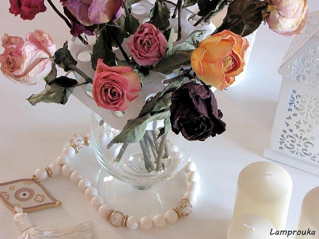 Φτιάξε βάση για να στέκονται όμορφα τα λουλούδια στο ανθοδοχείο.