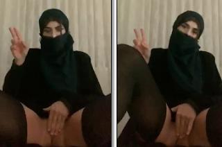 BOMBA Türbanlı Türk Kız Periscopede Masturbasyon Yapıyor