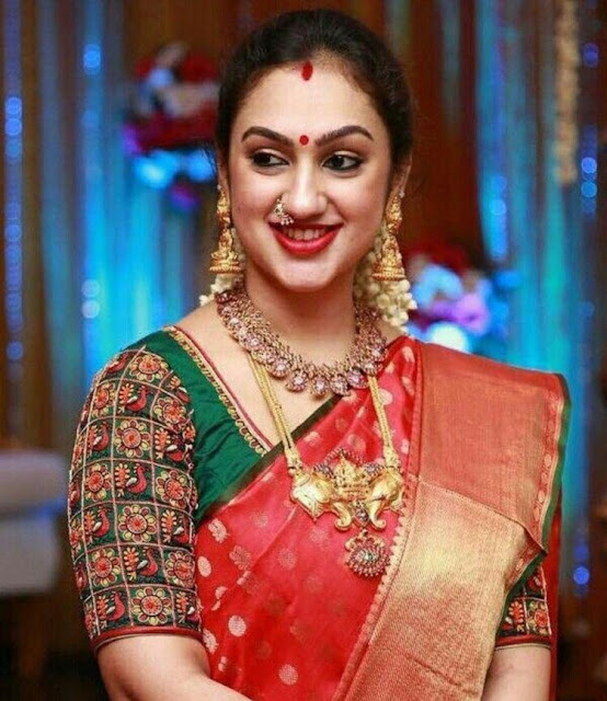 Traditional Jewelry for Red Bridal Sarees