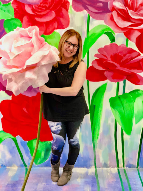 The Museum of Illusions, Los Angeles, Hollywood, experience popup, wall art, street art, Jamie Allison Sanders, The Beauty of Life, flower wall