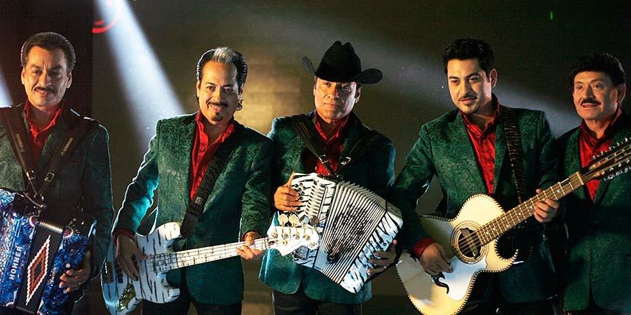 Los Tigres del Norte con sus Instrumentos Musicales