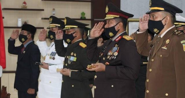 Ketua DPRD Provinsi Lampung Hadiri HUT TNI Ke-75 Tahun