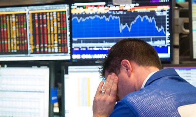 Mercados bajan y dolar sube