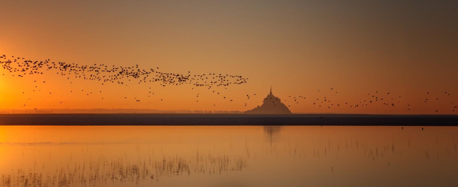 coucher de soleil sur le mont saint michel