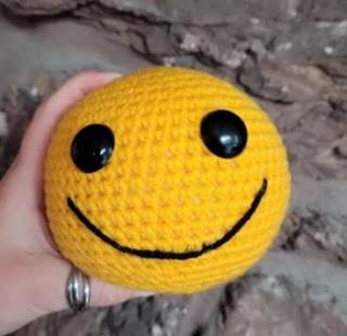 PATRON GRATIS SMILE AMIGURUMI 45153