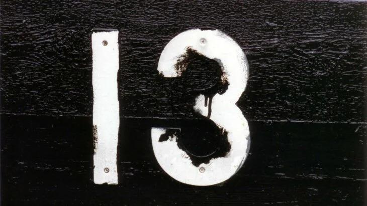 10 Supersticiones que aún hacemos que tienen base histórica