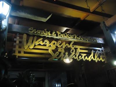 Bandung yang sangat terkenal baik itu alasannya tempatnya yang unik 6 Tempat Wisata Kuliner Bandung Yang Paling Populer