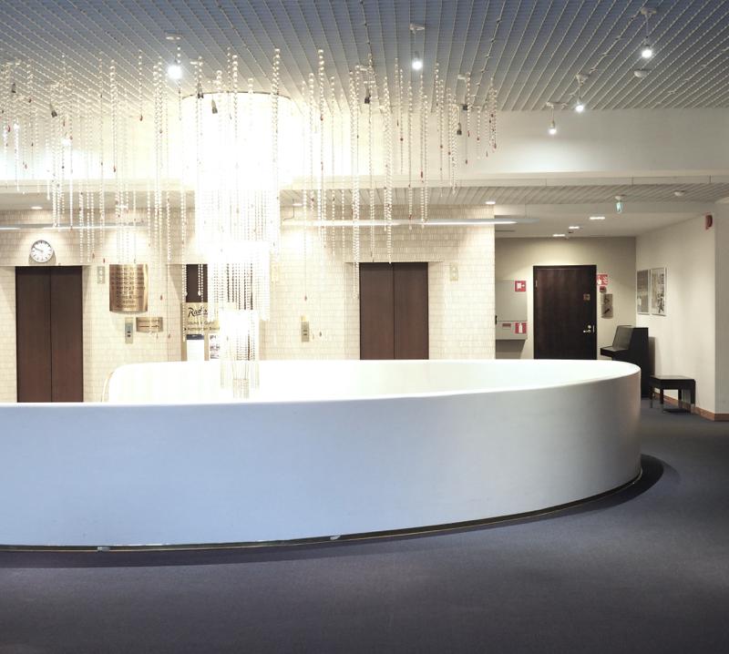 hotellin kaunis aula