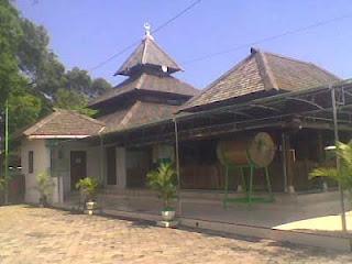 Makam dan Masjid Kuno Taman