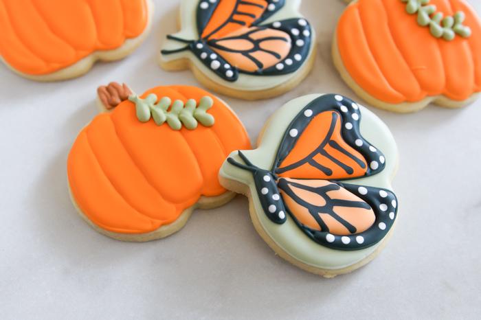 How to Decorate Simple Pumpkin Cookies