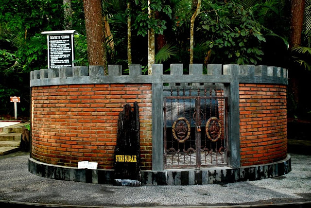 Cara Syekh Subakir Mengusir Para Demit Tanah Jawa dan Rahasia Makam Walisongo ada di Utara