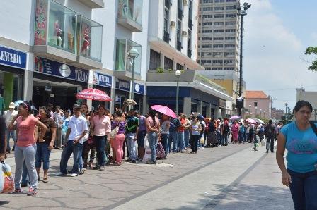 Micro colapsos de la estructura política y social en Venezuela