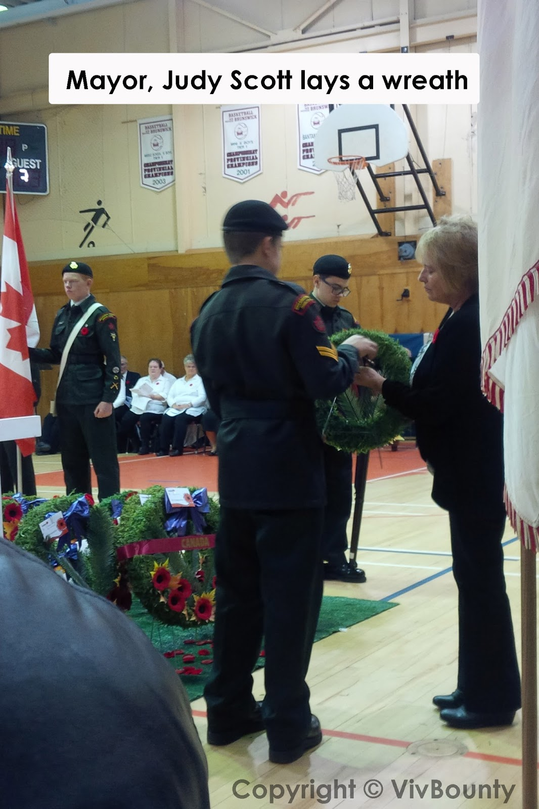 Mayor Judy Scott lays a wreath, VivBounty