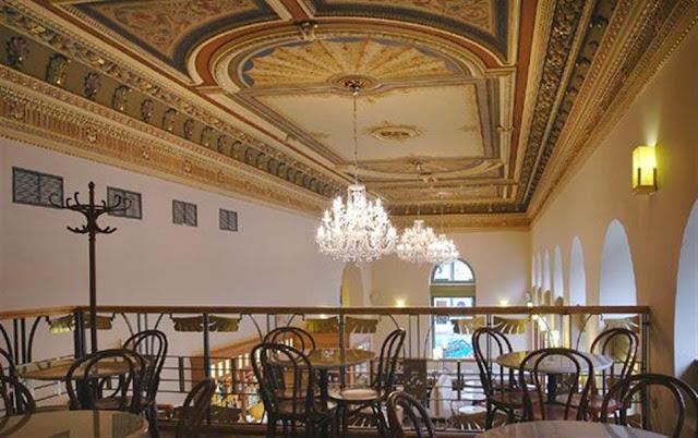 Praga, Czechy, Najsłynniejsza kawiarnia, najlepsza kawiarnia, najlepsza restauracja w Pradze, cukiernia praga czechy, cafe no 3 prague, śniadanie w pradze,