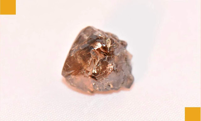 Arkansas Man Finds 9-carat Diamond at Crater of Diamonds State Park