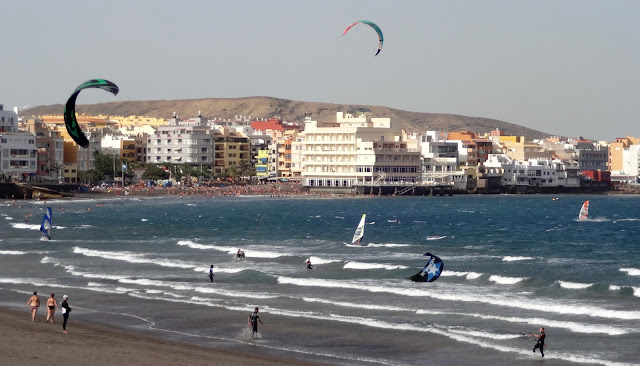 windsurfing and kitesurfing on playa del medano, tenerife island