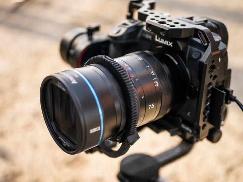 Объектив Sirui 75mm f/1.8 1.33x Anamorphic с камерой Panasonic