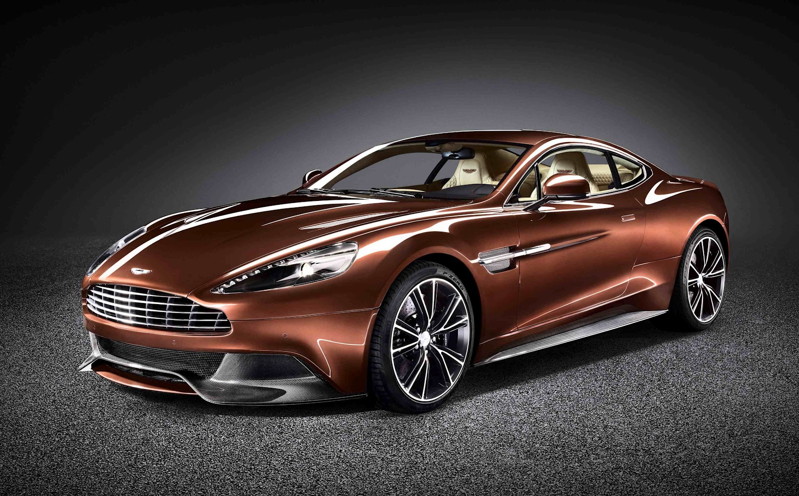 irish car travel magazine aston martin unveils vanquish luxury sports car. Black Bedroom Furniture Sets. Home Design Ideas
