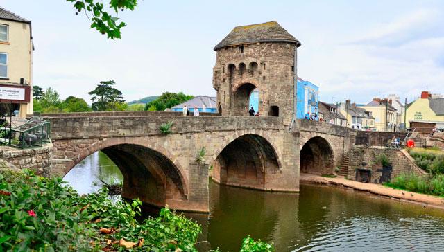 Jembatan-Monnow-Wales
