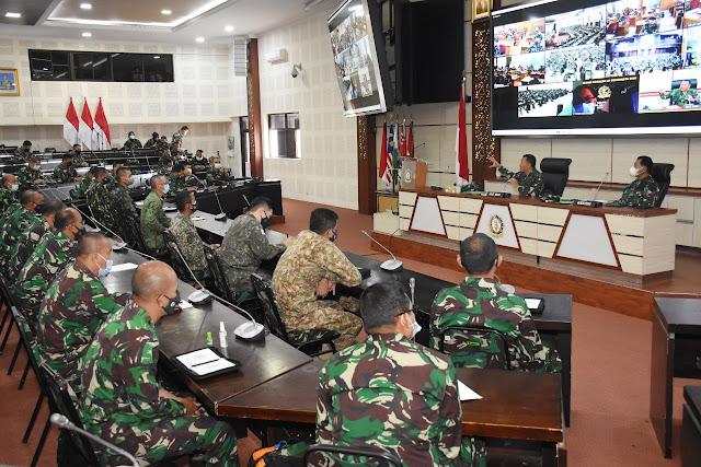 Perwira Siswa Dikreg LX Seskoad Menerima Pembekalaan Aslat Kasad, Mayjen TNI Harianto