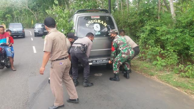 Sinergitas TNI, Polri dan Satpol-PP Dalam Membantu Warga