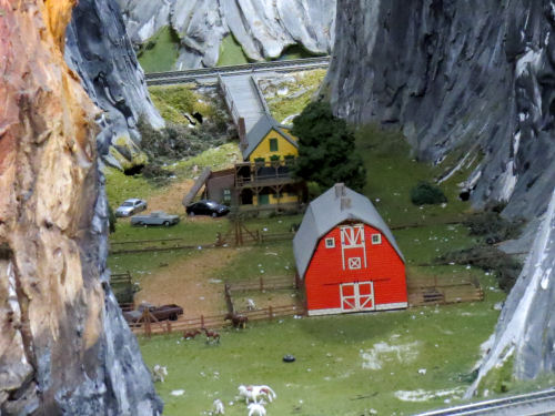 model railroad farm at Northlandz