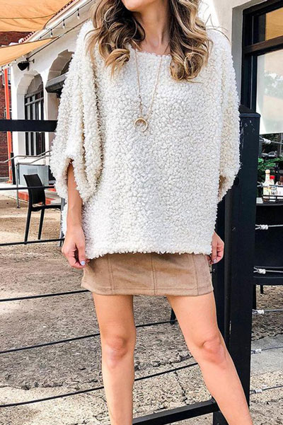 Fall in love this winter season with these cozy sweater outfits. Winter Fashion via higiggle.com | white pullover | #sweater #pullover #fashion #knit