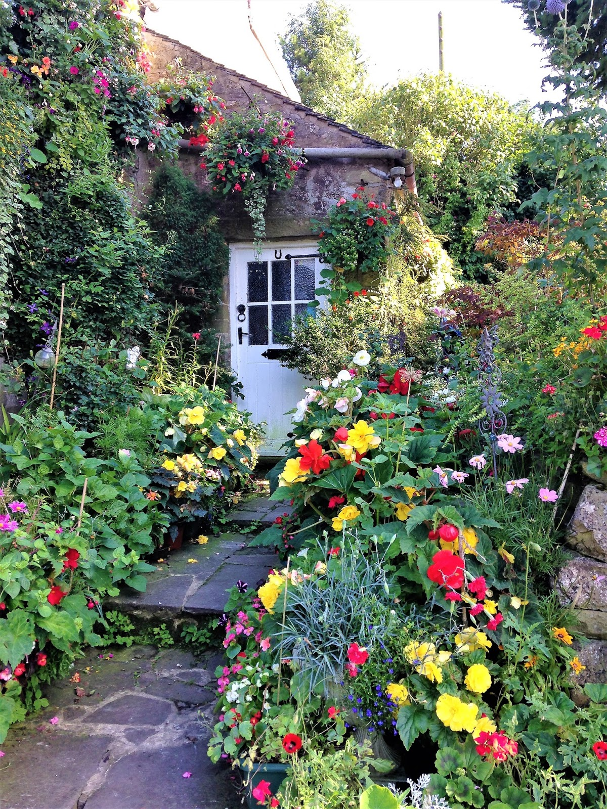 I Wonu0027t Pretend To Know A Great Deal About Gardening But I Do Know That  When It Comes To Planting A Cottage Garden, Informality Is Key, And That  Style Has ...