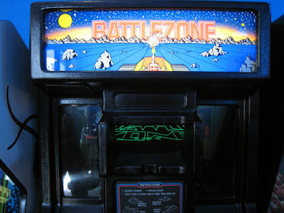 Battlezone machine with periscope
