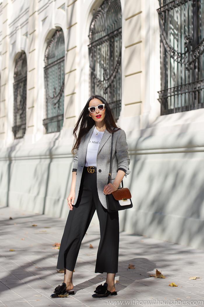 tendencias streetstyle Influencer blogger valencia con look urban chic comodo estiloso culottes chaqueta blazer y mules AGL
