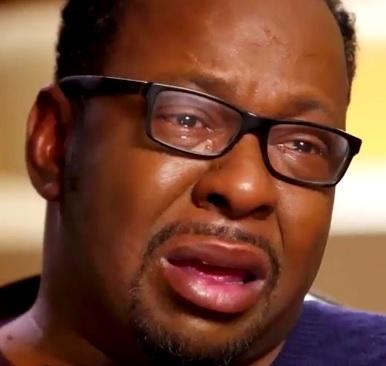 Foto de Bobby Brown con lentes