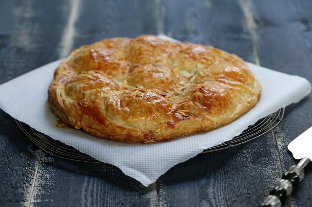 pie ,pommes , pâte feuilletée