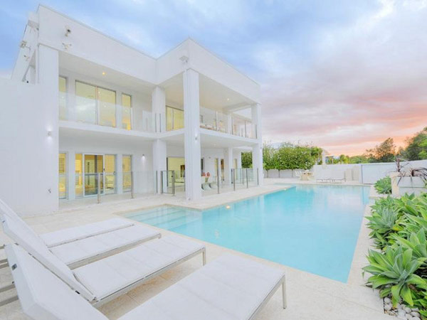 Completely White Home Design, Queensland, Australia: Most