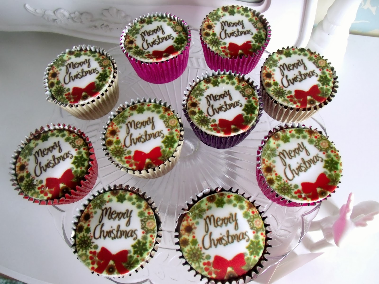 Family christmas treats victorias vintage blog as a kind of family treat if youre not into baking yourself then a nice idea is to order some christmas cupcakes usually when i go round to visit solutioingenieria Choice Image