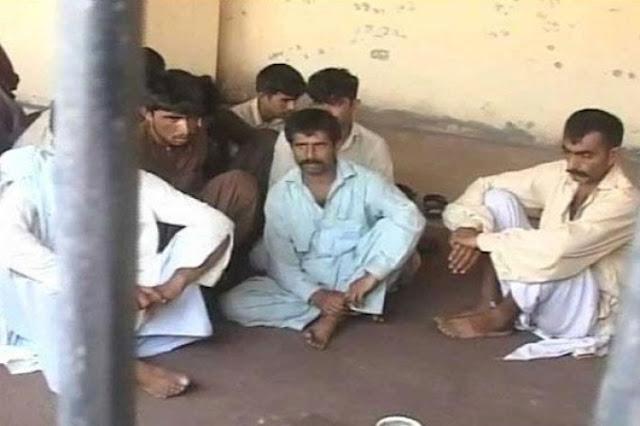 Пакистанку изнасиловали по решению деревенского совета, так как ее брат изнасиловал 12-летнюю