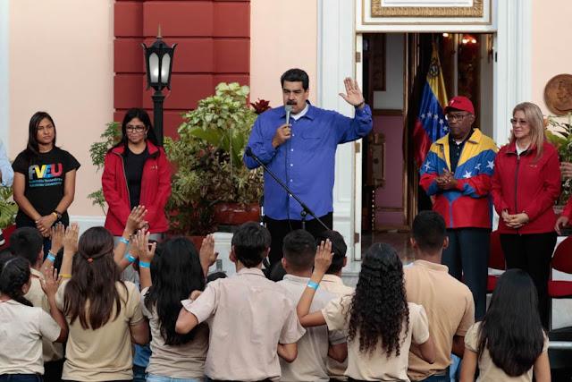 """Maduro: """"El 10 de enero quiero al movimiento estudiantil en la calle, defendiendo la revolución"""""""