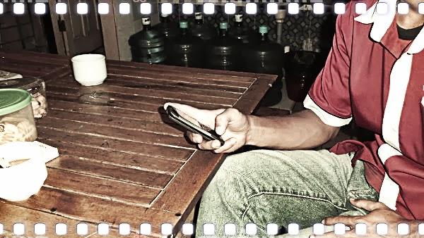 ponsel lawas, gadget kuno, ponsel keypad