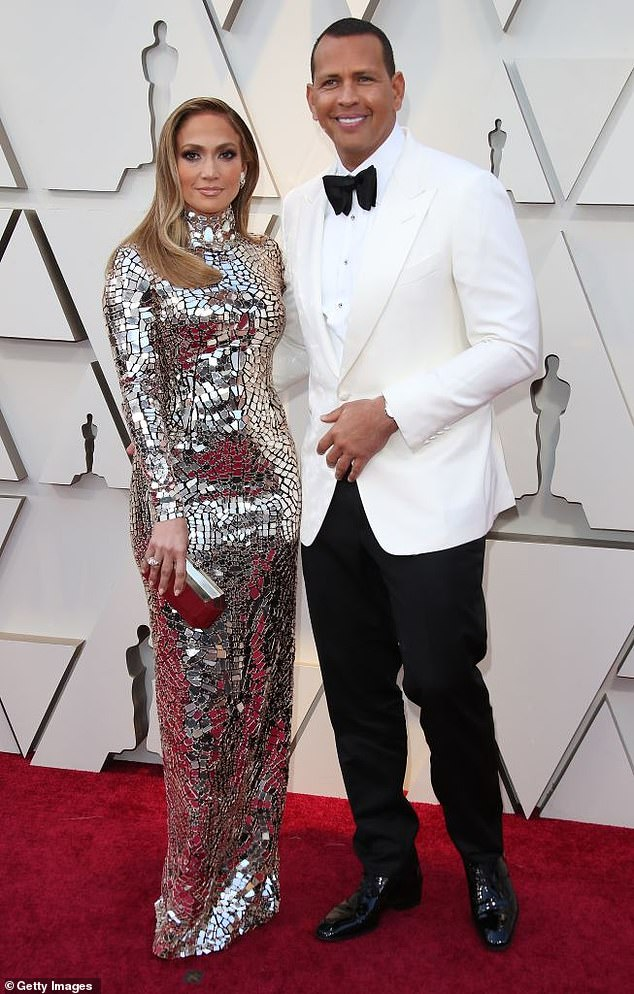 Jennifer Lopez and wife Alex Rodriguez are facing a lawsuit following the alleged attack of a man bytheir driver in LA-olowublog