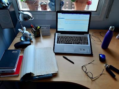 El que ve a ser el despatx improvisat d'un director d'Arxiu