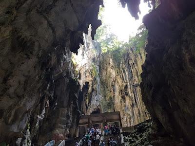 Interior de las Cuevas de Batu